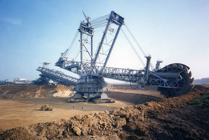 Largest Machine (The Bagger 288 Excavator, Germany)