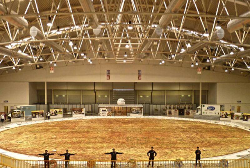 Largest Pizza (Ottavia, Rome)